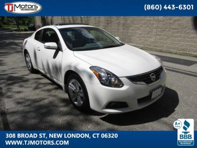 2012 Nissan Altima 2.5 S (Winter Frost Pearl)