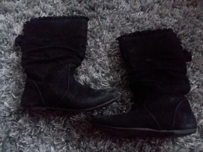 Sz 10/11 black boot with bow on back