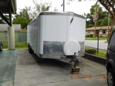 2004 FEATHERLITE Enclosed Trailer (White)