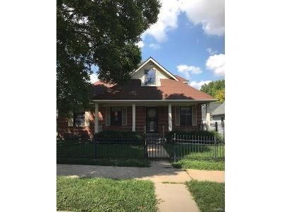 4 Bed 2 Bath Foreclosure Property in Saint Louis, MO 63104 - Montrose Ave