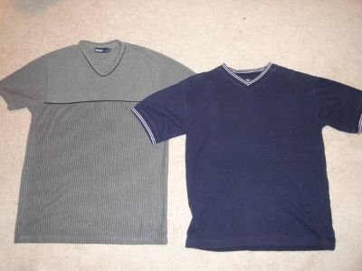 2 t-shirts, blue and grey, size S-M
