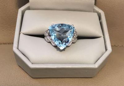 Beautiful 11.88 CTW Genuine Blue And White Topaz 925 Sterling Silver size 7