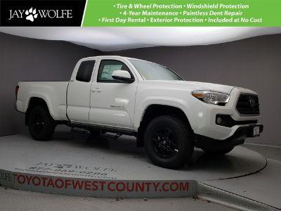 2019 Toyota Tacoma 4WD (Super White)