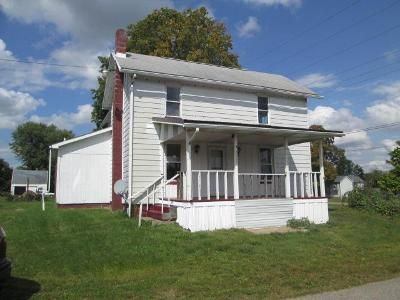 3 Bed 2 Bath Foreclosure Property in Hartstown, PA 16131 - Center St