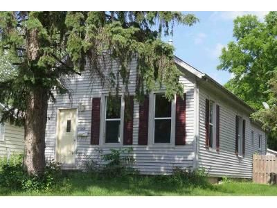2 Bed 1 Bath Foreclosure Property in Rock Island, IL 61201 - 41st St