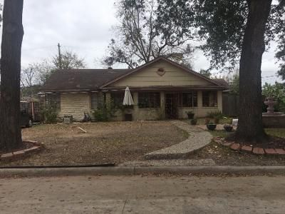 3 Bed 1.0 Bath Preforeclosure Property in Houston, TX 77023 - Pinehurst Dr