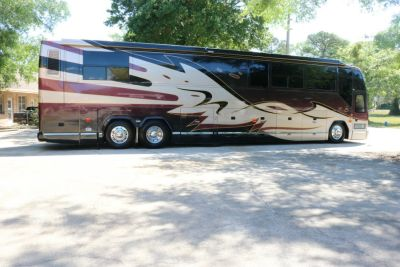 2002 Prevost H3-45 Featherlite Double Slide