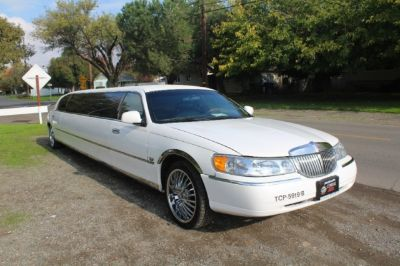 1998 Lincoln Town Car Limo Executive