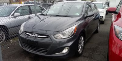 2012 Hyundai Accent SE (Cyclone Gray)