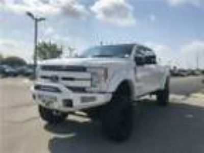 2019 Ford F-250 LARIAT 2019 Ford Super Duty F-250 SRW Black Widow 6.7L V8 Diesel