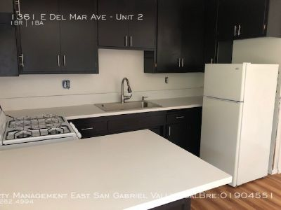 BEAUTIFUL REMODELED APARTMENT ACROSS THE STREET FROM CAL TECH