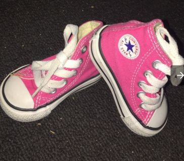 LOOKING FOR TODDLER GIRLS SIZE 5, 6 CONVERSE SHOES HIGH & LOW TOP ALL COLORS