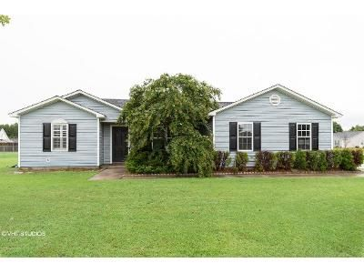 3 Bed 2 Bath Foreclosure Property in Hubert, NC 28539 - N Ivy Dr