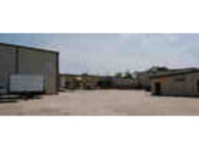 New Listing 35 800 Sf Office Warehouse For Sale Or Lease