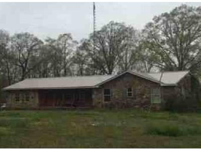 3 Bed 2 Bath Foreclosure Property in Town Creek, AL 35672 - County Road 141