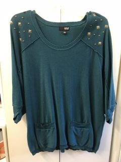a.n.a. 3/4 Embellished Turquoise Top Sz L
