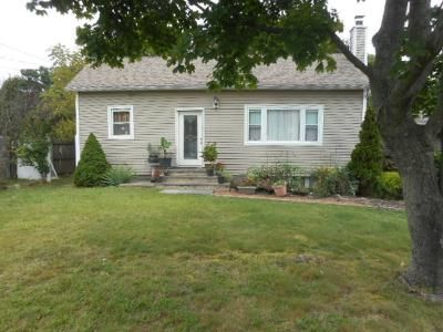 4 Bed 2 Bath Foreclosure Property in Holbrook, NY 11741 - Inverness Rd