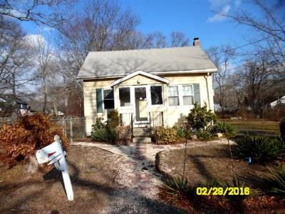 3 Bed 1 Bath Foreclosure Property in Patchogue, NY 11772 - Hamilton St