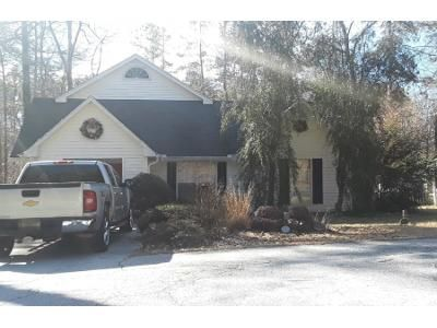 3 Bed 3 Bath Preforeclosure Property in Toccoa, GA 30577 - Hidden Lakes Dr