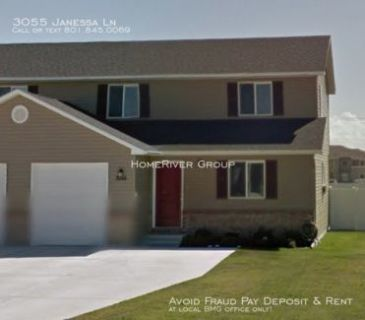 Newer townhome on the west side of Idaho Falls by the Home River Group