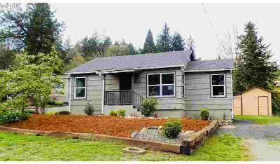 570 Geary St Canyonville Three BR, Sweet!! Newly renovated home