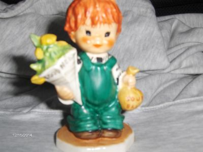 Vintage Very Rare HUMMEL / GOEBEL VINTAGE REDHEAD FIGURINE LITTLE BOY CALLED ( GOOD NEWS )