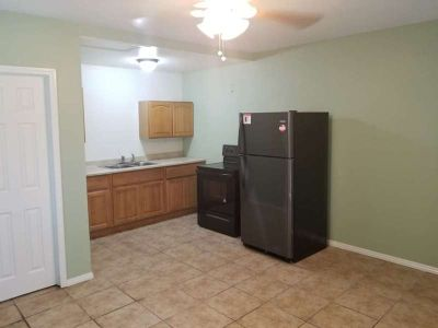 Studio home with 1 bath and kitchen, 320 sq ft