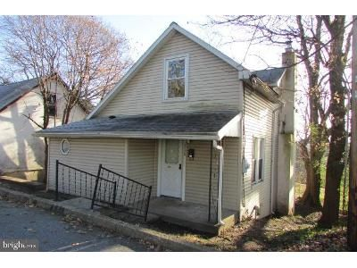 3 Bed 1.5 Bath Foreclosure Property in Harrisburg, PA 17109 - Pine St