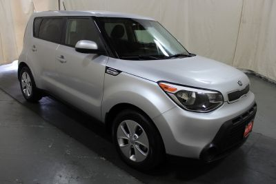 2015 Kia Soul Base (Bright Silver)