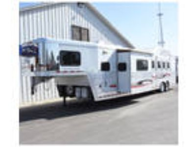 "2011 Bloomer 4 Horse Trailer 16.5 "" Outlaw LQ With Slide Out"