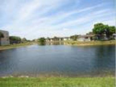 Waterfront Villa!, West Palm Beach, FL