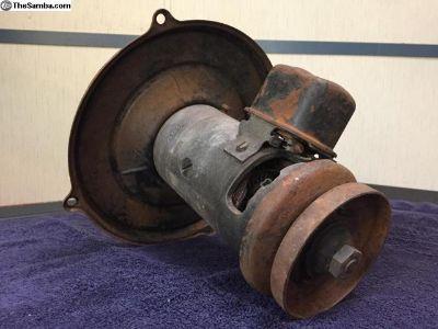 6v generator with backing plate regulator pulley