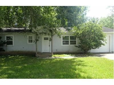 3 Bed 2 Bath Foreclosure Property in Alvin, TX 77511 - County Road 424