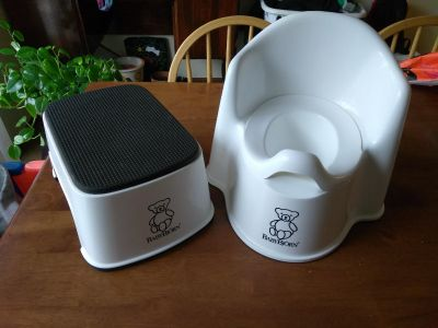 BABY BJORN potty chair and step stool