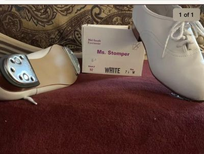 Ms Stomper White 7 1/2W New Clogging Shoes With Stevens Buck Taps