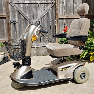 Pride Mobility Scooter - 3-wheel Legend - Like new