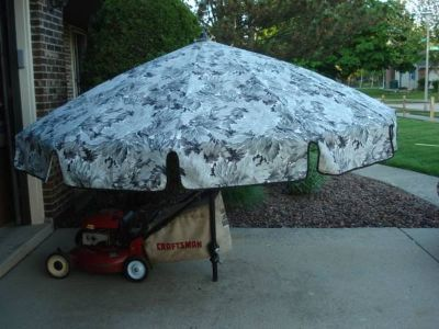 PICNIC TABLE UMBRELLA