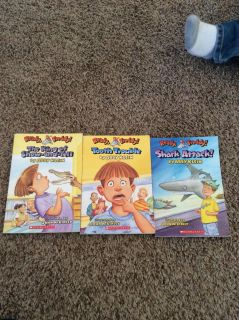 3 ready Freddy chapter books
