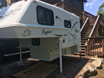 2002 Bigfoot 2500 SERIES