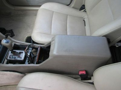 Sell 1999 MERCEDES C CLASS C230 CENTER CONSOLE ASSEMBLY FLOOR SHIFT, FLOOR MOUNTED motorcycle in Harmony, Pennsylvania, US, for US $70.00