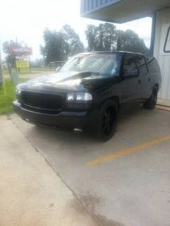 2005 GMC YUKON XL SHOW LOWERED MURDERED OUT