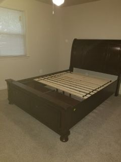 Queen size bed w/2 drawers