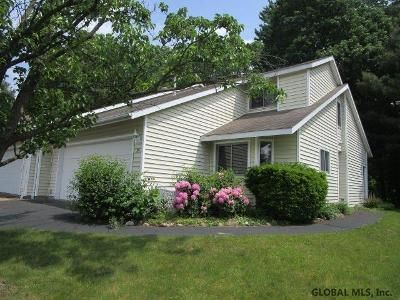 2 Bed 1.5 Bath Foreclosure Property in Clifton Park, NY 12065 - Green Meadow Dr