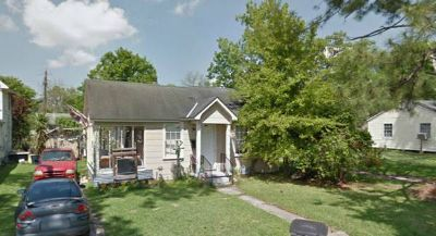 $325 Roommate needed starting DecJan Close to LSU cus (870 Violet St)