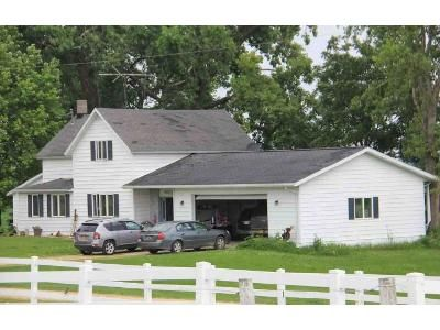 3 Bed 1.5 Bath Foreclosure Property in Ellsworth, WI 54011 - 410th Avenue
