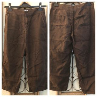 Size 2 brown linen cropped pants. Old Navy brand. Excellent condition.