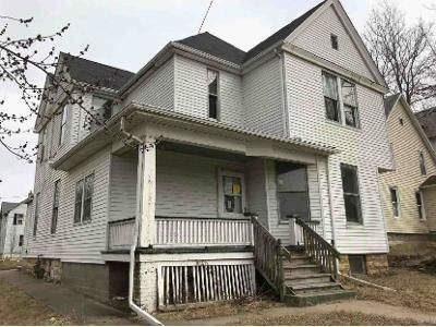 4 Bed 2 Bath Foreclosure Property in Moline, IL 61265 - 15th St
