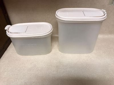 Tupperware containers, EUC, 43/4 cups and 71/4 cups both for 6.50