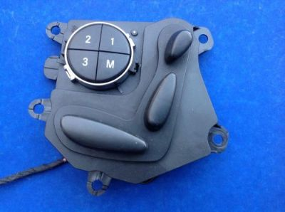 Sell MERCEDES E320 W211 FRONT RIGHT PASS SEAT MEMORY ADJUSTMENT SWITCH OEM 2118207810 motorcycle in Daytona Beach, Florida, United States, for US $45.00