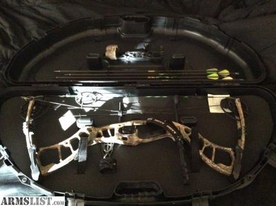 For Sale: Hoyt powermax with plano hard case